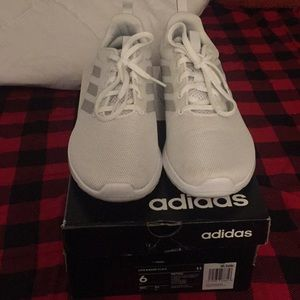 Adidas white lite racer tennis shoes